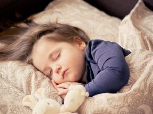 Schlafendes Baby Mit Leiser Ventilator